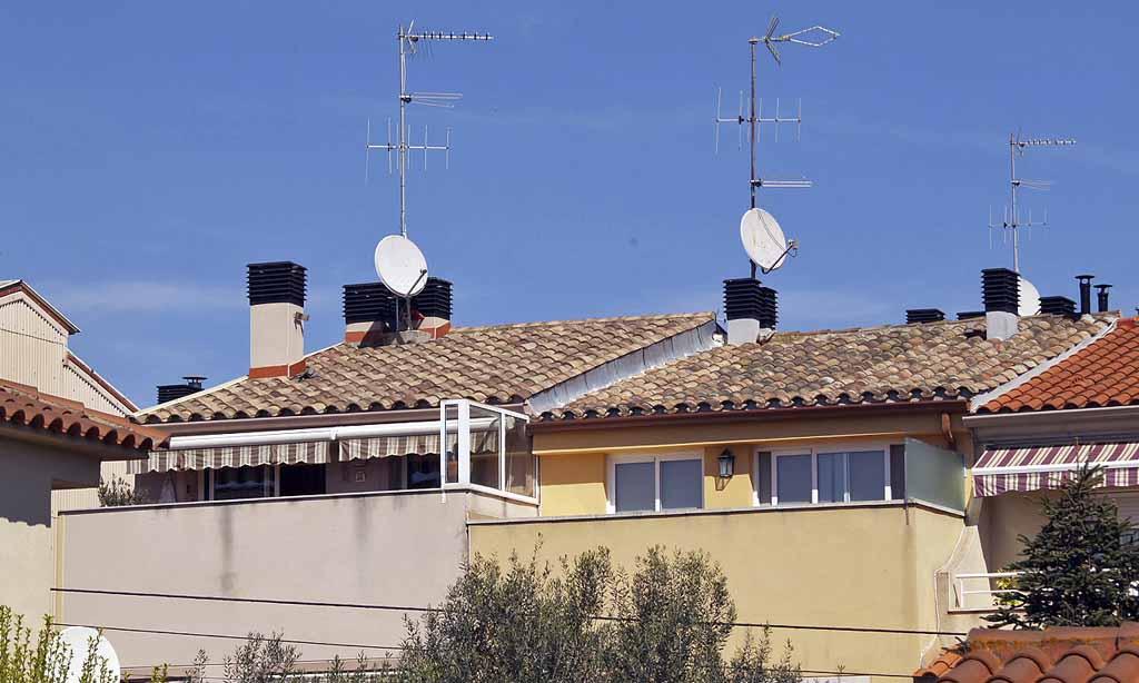 ATOSDIN - Instalaciones realizadas con sombreretes para chimeneas